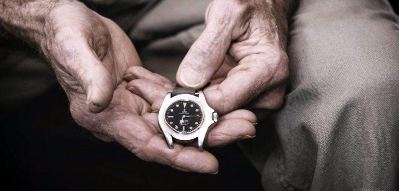 Soldado de la guerra de Vietnam recibió una bala en su reloj en 1968 y 52 años después se lo repararon