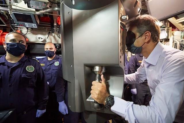 Μητσοτάκης: Στο υποβρύχιο «Κατσώνης»-Το «ευχαριστώ» για τις αόρατες ασπίδες (ΦΩΤΟ-ΒΙΝΤΕΟ)
