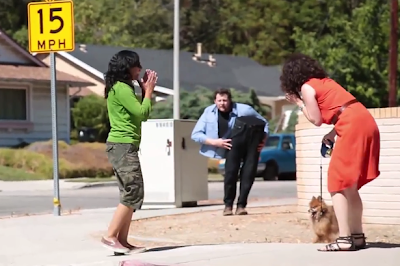 dis Magician terrify passers-by with creepy cut-in-half illusion. [DOWNLOAD]