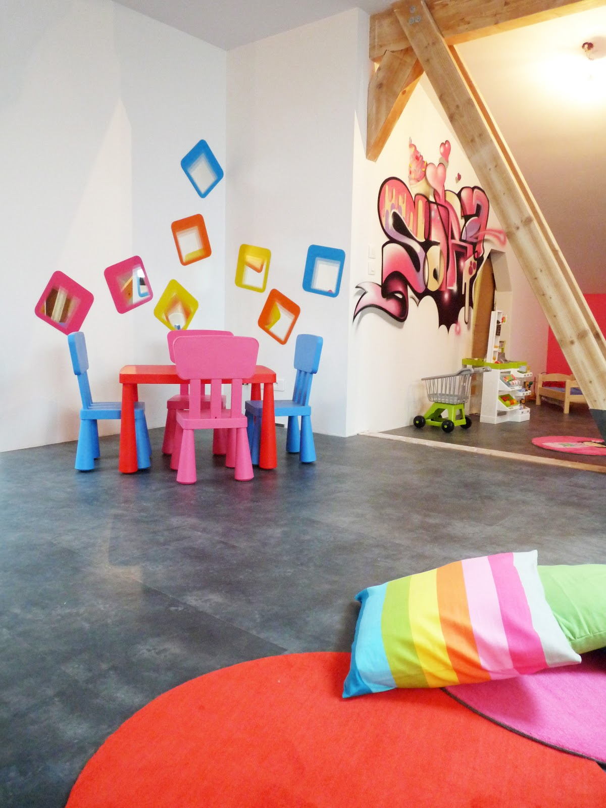 gimus d coration int rieur salle de jeux. Black Bedroom Furniture Sets. Home Design Ideas