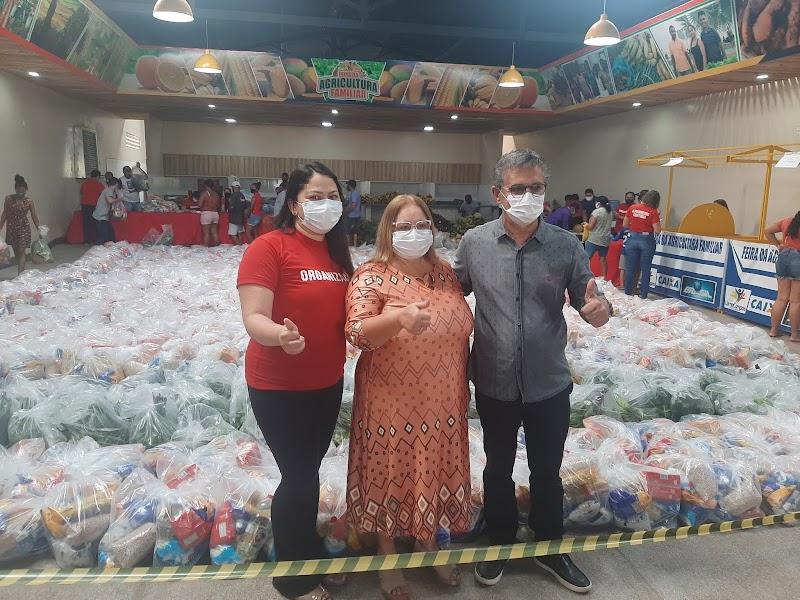 Governo da Prefeita Dirce entrega 4 mil kits de alimentação para alunos de Lima Campos