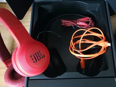 JBL E45 BT headphones package for the PH Market