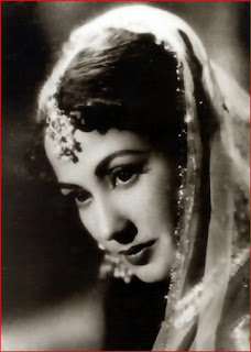 Meena Kumari  IMAGES, GIF, ANIMATED GIF, WALLPAPER, STICKER FOR WHATSAPP & FACEBOOK