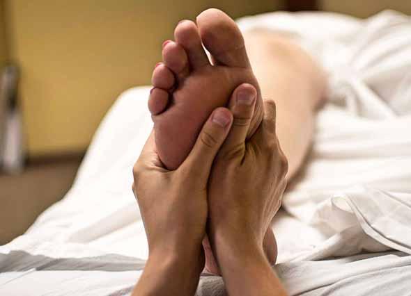 Exercises-for-Strengthening-the-feet