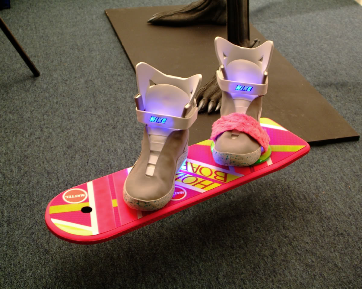 mattel back to the future hoverboard release welcome to neko. Black Bedroom Furniture Sets. Home Design Ideas