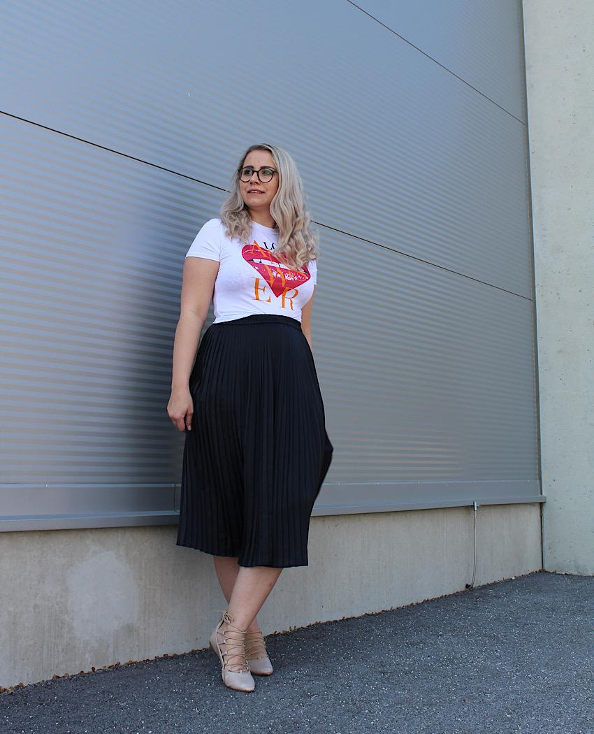 Rock mit T-Shirt von Femme Luxe Finery