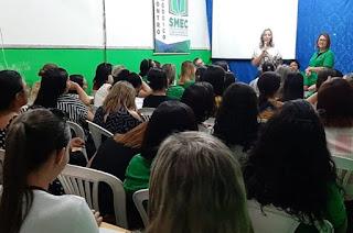 http://vnoticia.com.br/noticia/4467-educacao-divulga-dinamica-de-aulas-atraves-de-plataforma-online-e-impressos