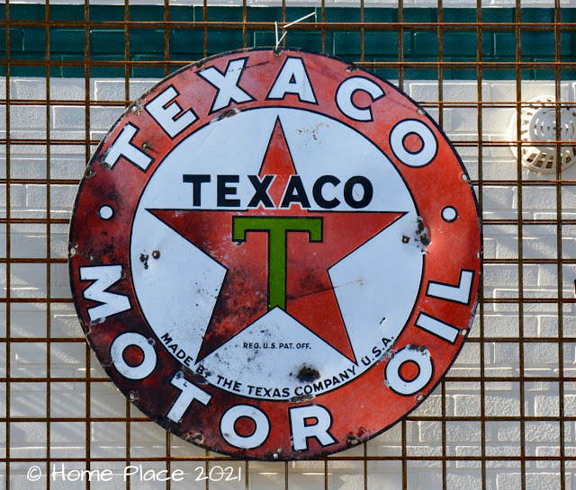 Vintage Texaco Sign at Camacho Garage