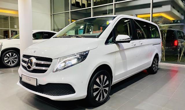 Đánh giá Mercedes V250 Luxury 2020