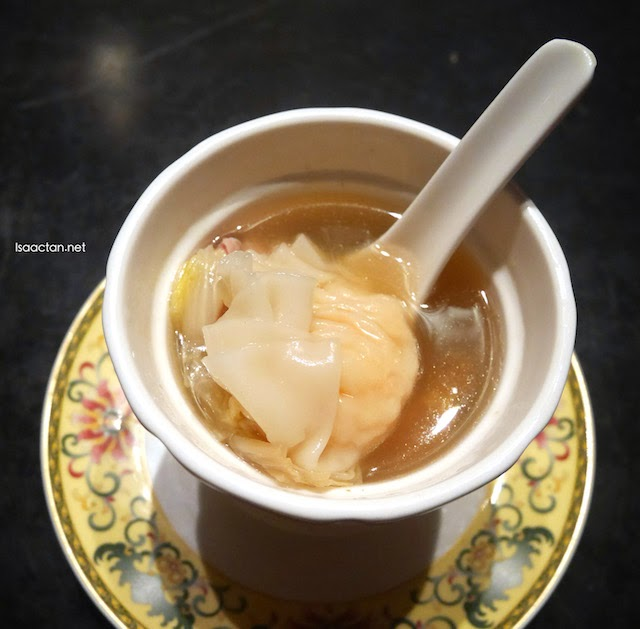 Double Boiled Dry Scallop Soup with Chinese Cabbage
