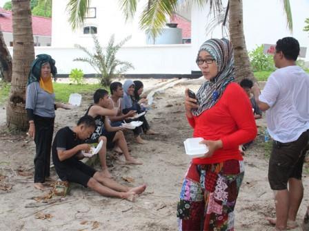 Suasana Liburan di Pulau Lengkuas Belitung
