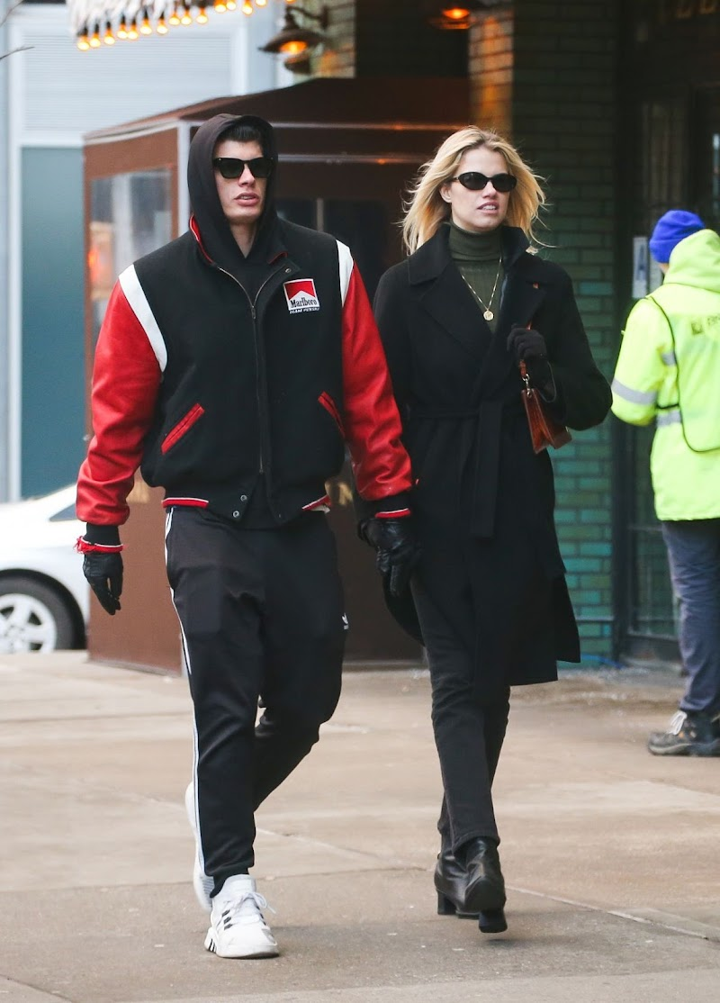 Hailey Clauson and Julian Herrera Out in New York 14 Dec-2019
