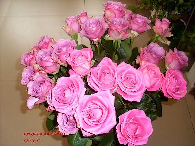 μπουκετο με ροζ τριαννταφυλλα προσφορά για τη γιορτη της μητερας