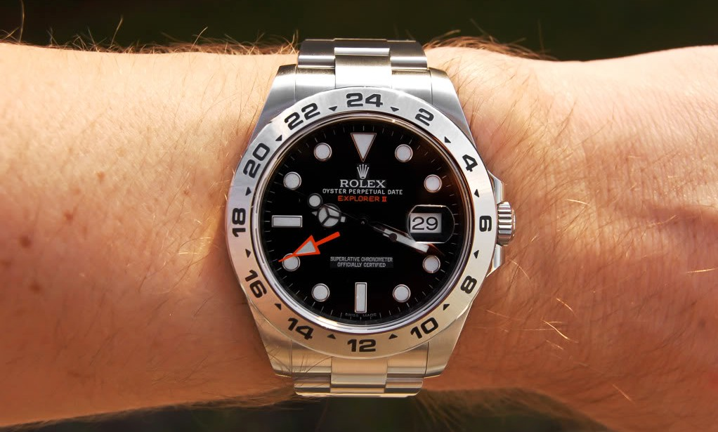 C-segment Wrist Watches: Rolex Explorer II : 16570 40mm vs ...