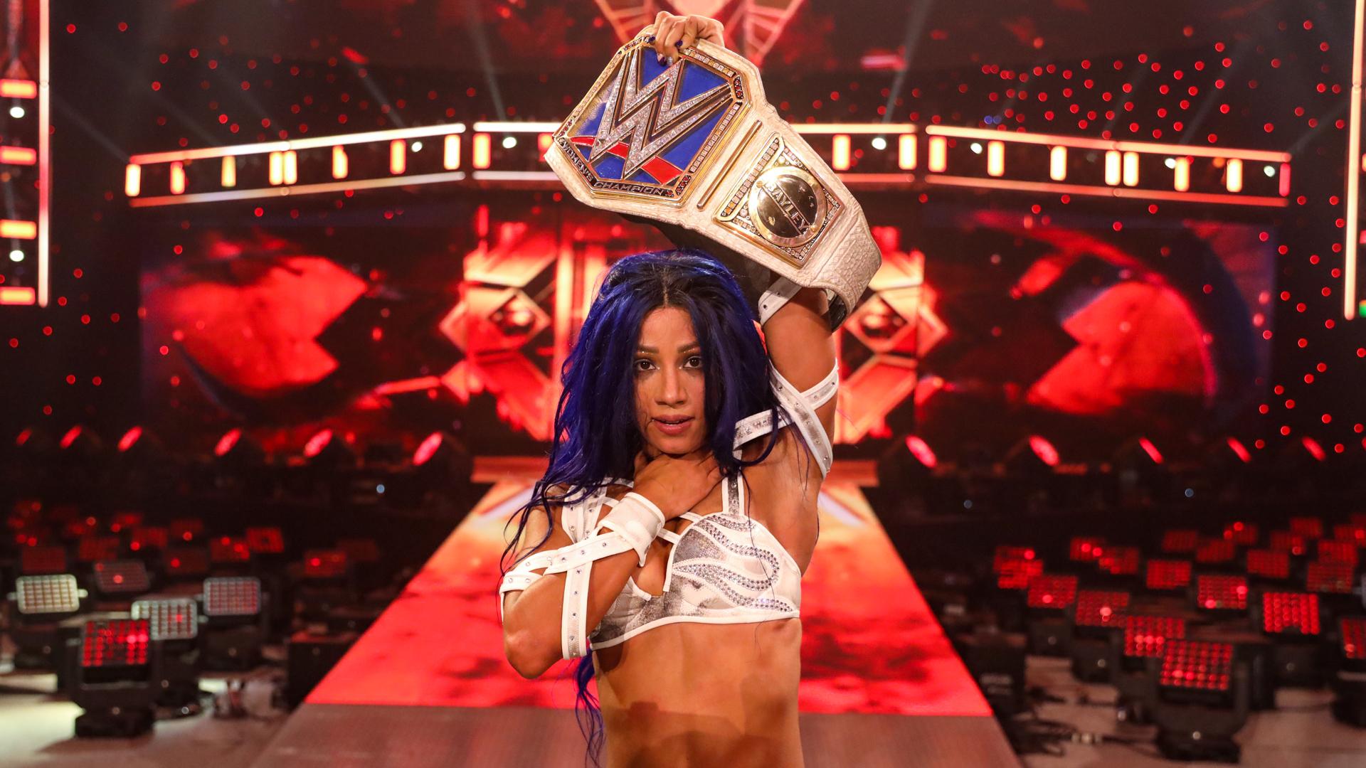 Sasha Banks encerra reinado histórico de Bayley e conquista o SmackDown Women's Championship