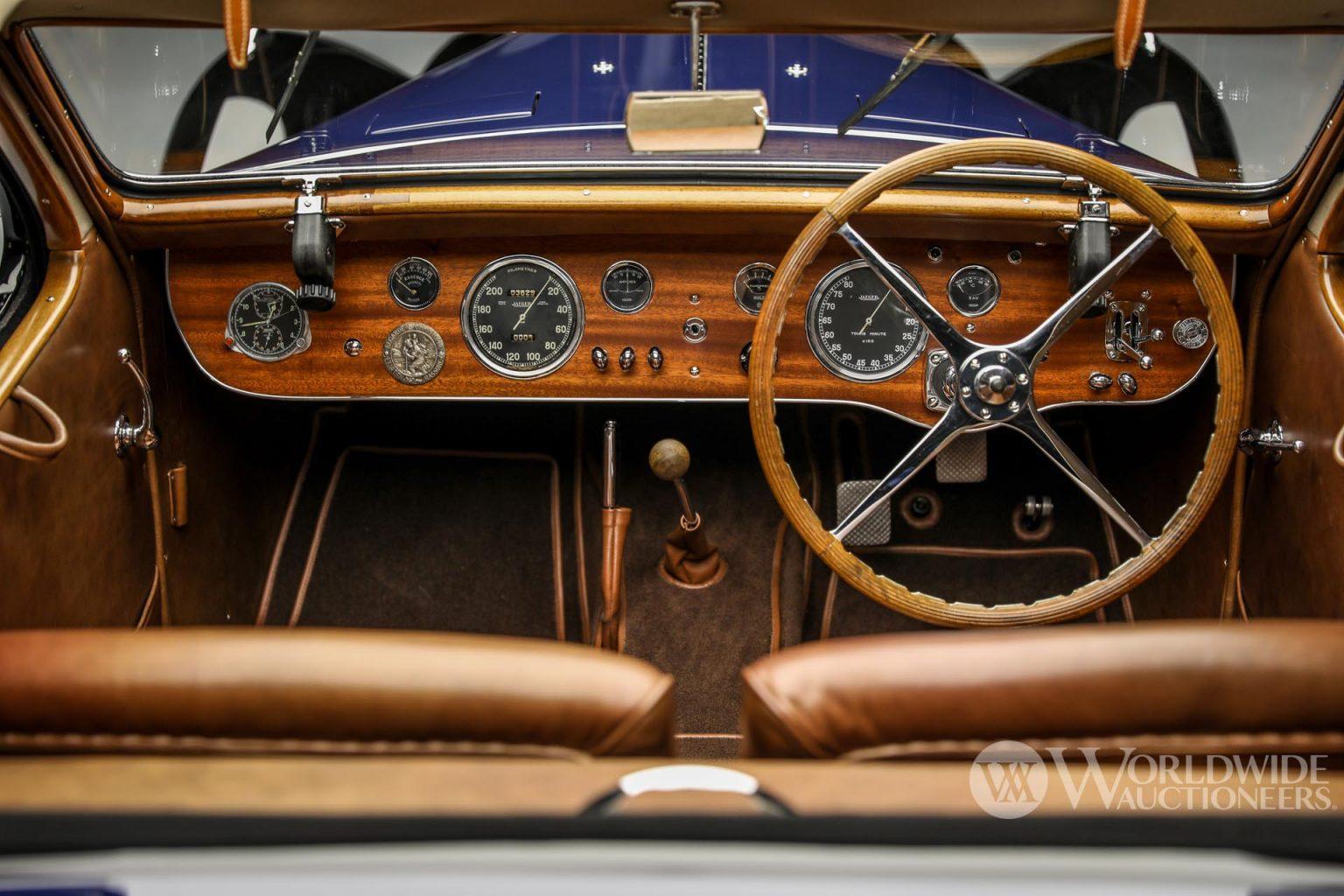 بوجاتي تايب 57 سي أتالانت كوبيه موديل 1938 مقصورة القيادة