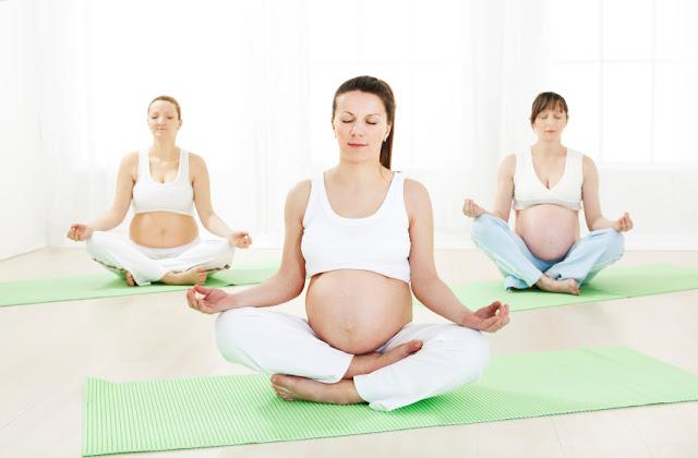 Những tư thế và các bài tập yoga cho mẹ bầu tại nhà
