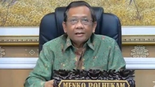 Siswa Non Muslim Dipaksa Pakai Jilbab di SMKN 2 Padang, Ini Kata Menkopolhukam Mahfud Md