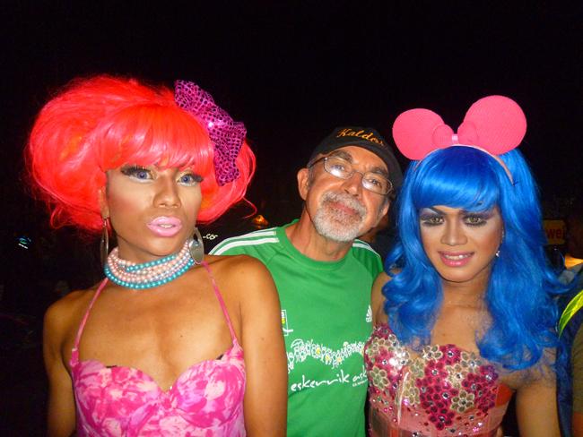 Con travestis del Mixwell en Bali