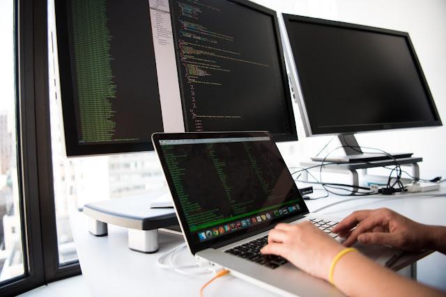ips Memilih Laptop Terbaik untuk Programmer Pemula