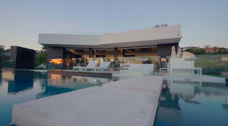 75 Interior Design Photos vs. 1201 Laurel Way, Beverly Hills, CA Ultra Luxury Mansion Tour