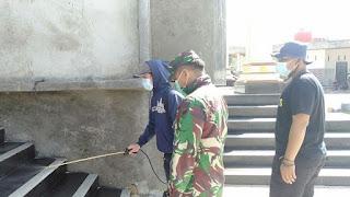 Zidam xii/tpr  bersama satgas Covid ciptakan Keamanan di Masjid Besar Nurul Hidayah di Desa Anjongan Dalam