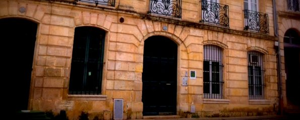 http://invisiblebordeaux.blogspot.fr/2015/05/winegate-scandal-which-shook-bordeaux.html