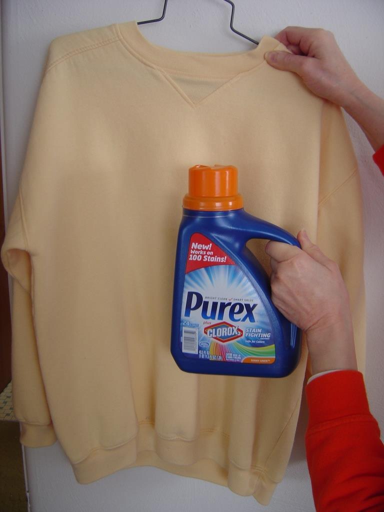 Stained sweatshirt after washing it Purex plus Clorox 2 Detergent.jpeg