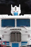 Transformers Kingdom Ultra Magnus 33