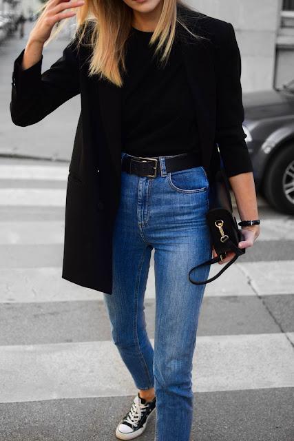 Outfits con blazer negro y tenis