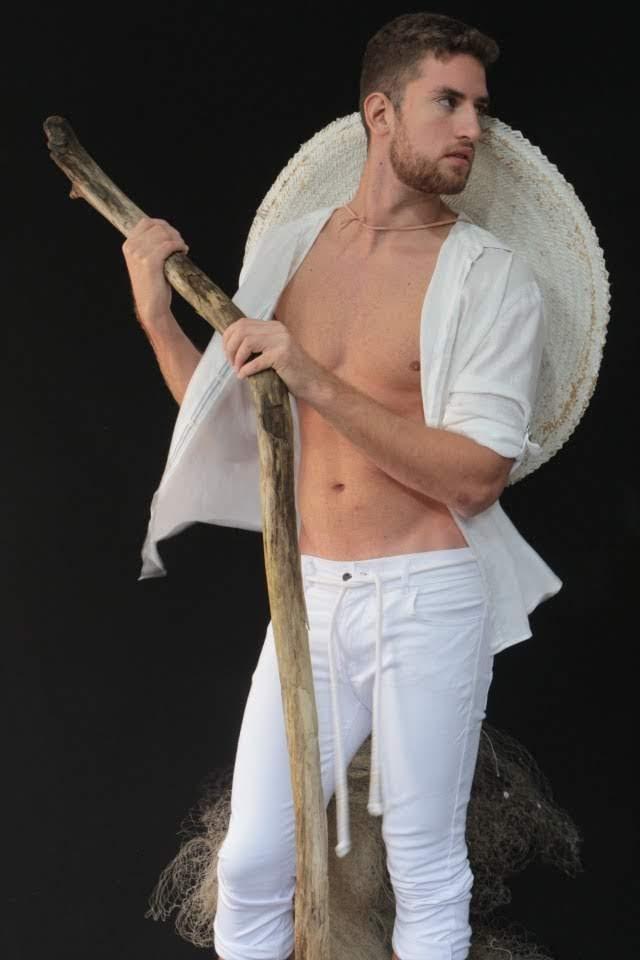 Luan Olescowc, Mister Joinville 2019, tira a roupa em novo ensaio. Foto: Felipe da Costa