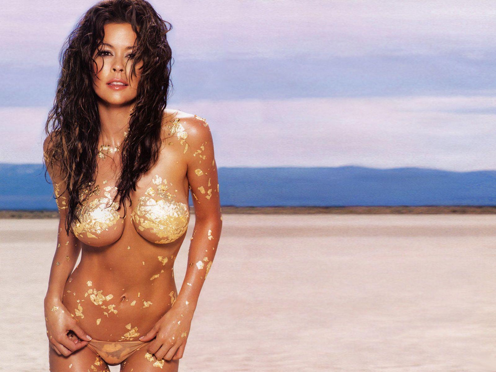 Jennifer love a bikini