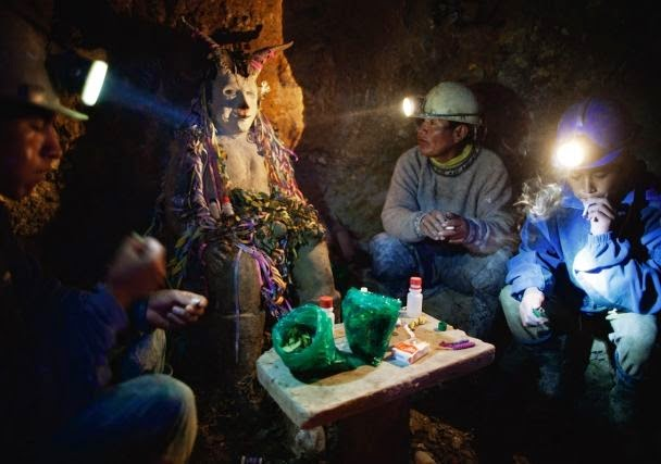 ofrendas-a-el-tio-cochabandido-blog-potosi-bolivia