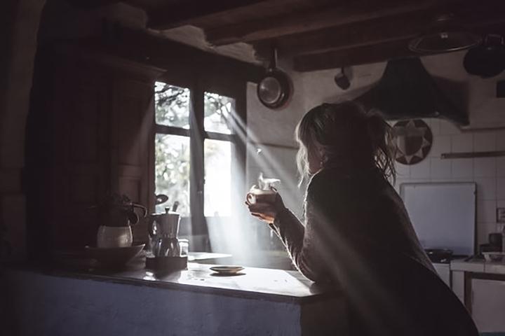 5 причин, почему интроверты счастливее экстравертов