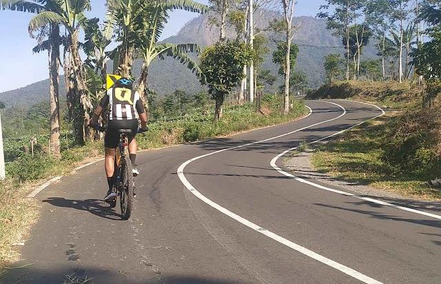 rute tanjakan di Gantasan, Licin, Banyuwangi.