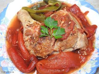 Saramura de pui cu legume reteta cu carne rosii coapte ardei copti la gratar grill tigaie retete mancare friptura saramuri de casa,