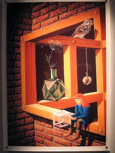 Tuğla duvardaki ilginç bir paradoks ahşap pencere