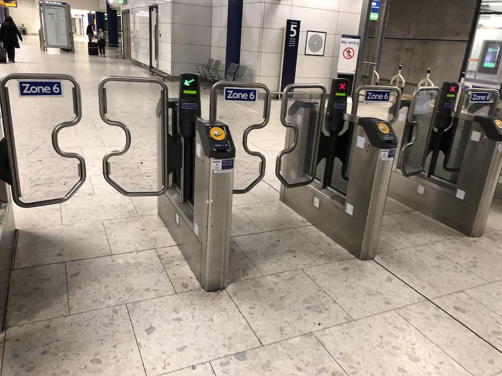 åka tunnelbana i london