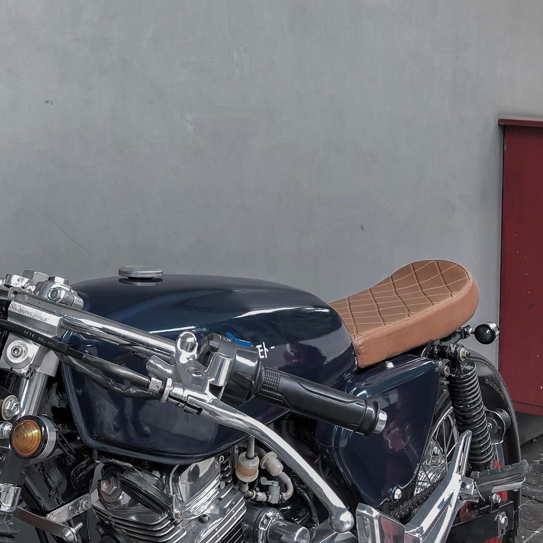 Gold, Glory and Guts - Honda Tiger GL200 Cafe Racer