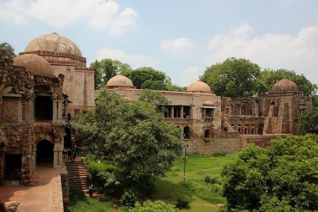Hauz Khas Village and Fort, Best Places to Visit in Delhi