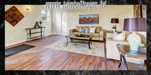Dekorasi Ruang Tamu  Minimalis yang Mewah - gunakan lantai kayu
