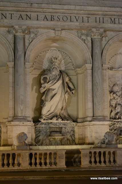 The Fountain of Moses(also called Fontana dell'Acqua Felice/Fontana del Mose)