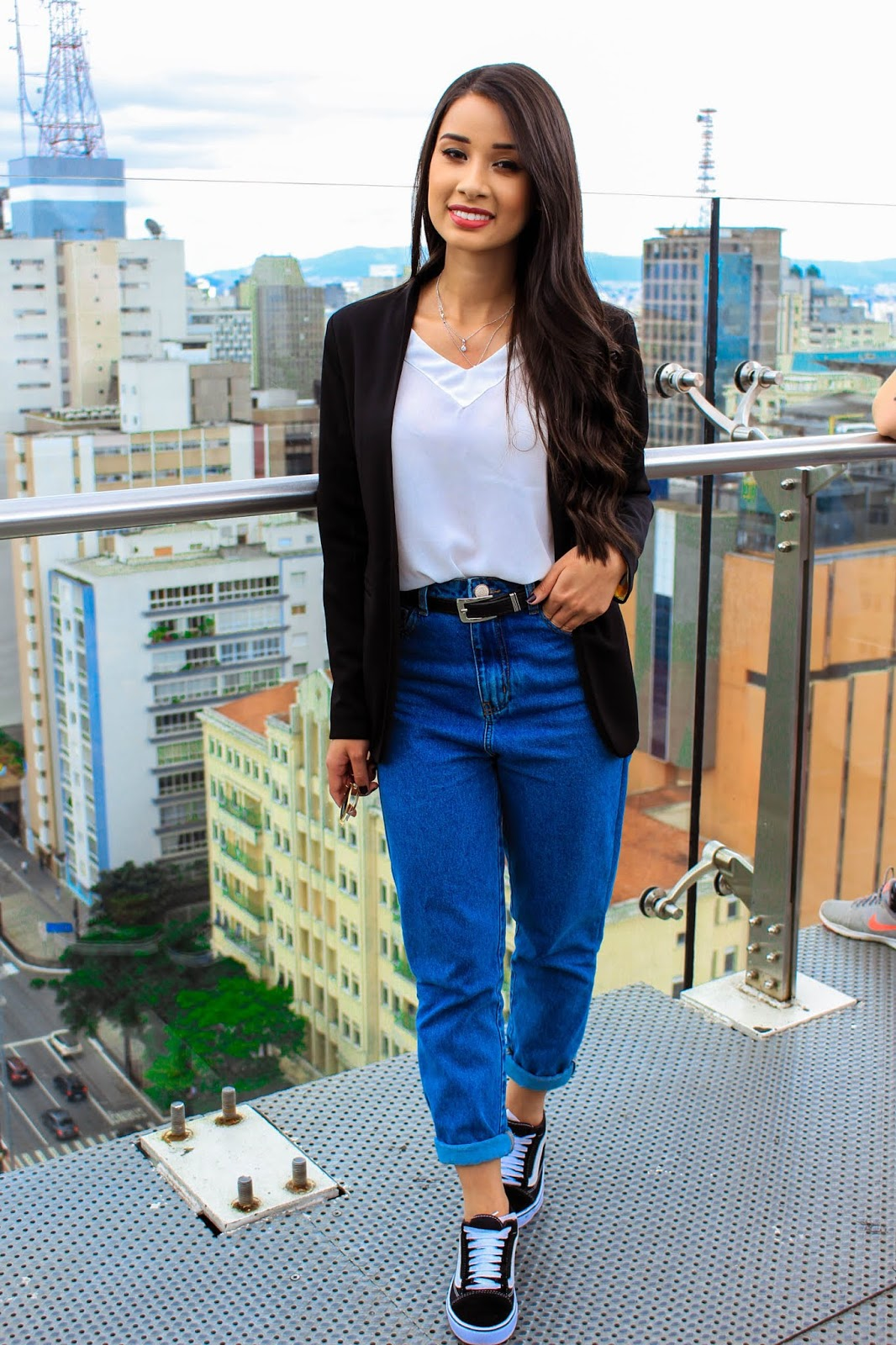 Look do Dia: Mom Jeans + Blazer