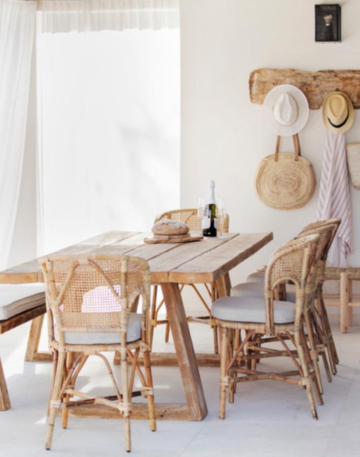 Blanco y madera en Mallorca