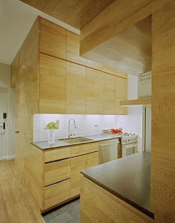 http://www.mvmads.com/stylish-kitchen-for-small-apartment/excellent-kitchen-designs-for-small-apartment-in-wooden-style/