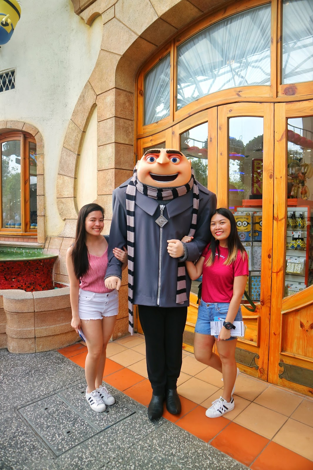A decent pic with Gru! Lol - Universal Studios Singapore