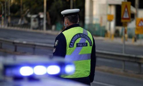 Ο οδηγός ΙΧ αυτοκινήτου συνελήφθη στα Γιάννινα. Το ΙΧ σταθμεύθηκε από αστυνομικούς της Τροχαίας.