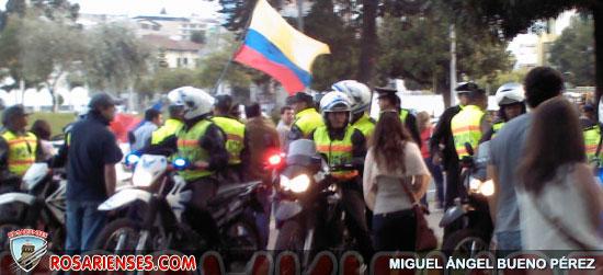 Policía impide el paso al cacerolazo contra alcalde Barrera | Rosarienses, Villa del Rosario