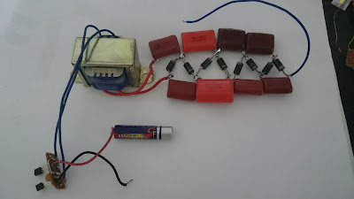 1.5V Electric fly zapper circuit