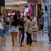 Shoppings em São Paulo e Rio tem aglomeração de pessoas